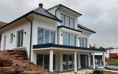 Hausbau: Baubegleitende Immobilienprüfung durch die DEKRA