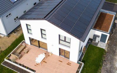 Warum sich Photovoltaikanlage und Stromspeicher beim Neubau lohnen